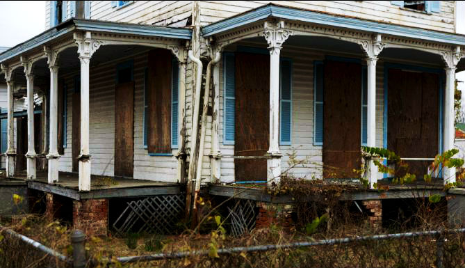 image of old house in Selma